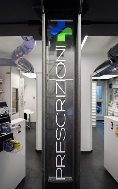 Dettagli Comunicativi Farmacia Garbarino, Genova Sestri