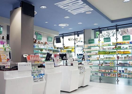 Arredi per farmacia studio mario fanelli torino for Bottigelli arredi farmacia